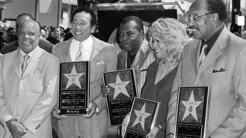 Berry Gordy, Smokey Robinson, Warren Pete Moore, Claudette Robinson i Bobby Rogers