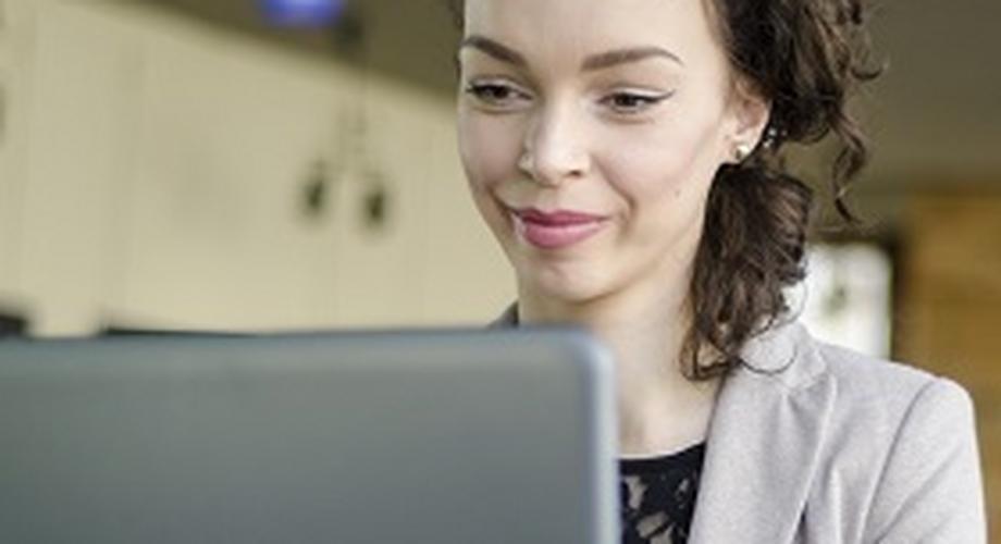 Jak rozkochać faceta przez internet