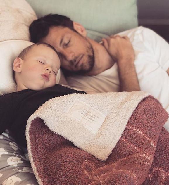 Dženson Baton sa sinom Hendriksom