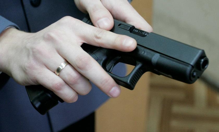 Rząd PO sprzedawał broń prywatnym firmom