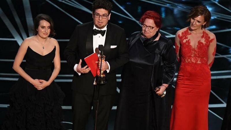 dc3161b014 Szamos Zsófia magyar tervezésű ruhája kiemelkedett az idei Oscar-gálán,  főként piros színe miatt