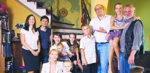 Katarzyna Gierczak-Grupińska (z lewej) opowiada, że dzieciństwo spędziła w firmie Gelg, którą założyli jej rodzice. Fot Archiwum prywatne