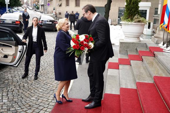 Pred sastanak: Aleksandar Vučić i rumunska premijerka Vjorika Danćila