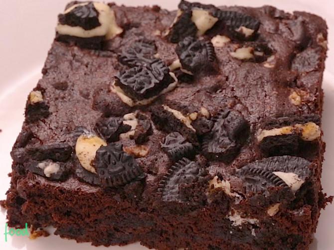 Ovaj kolač se pojede začas jer sadrži jedan POSEBAN sastojak! Proverite zašto je tako fenomenalan!