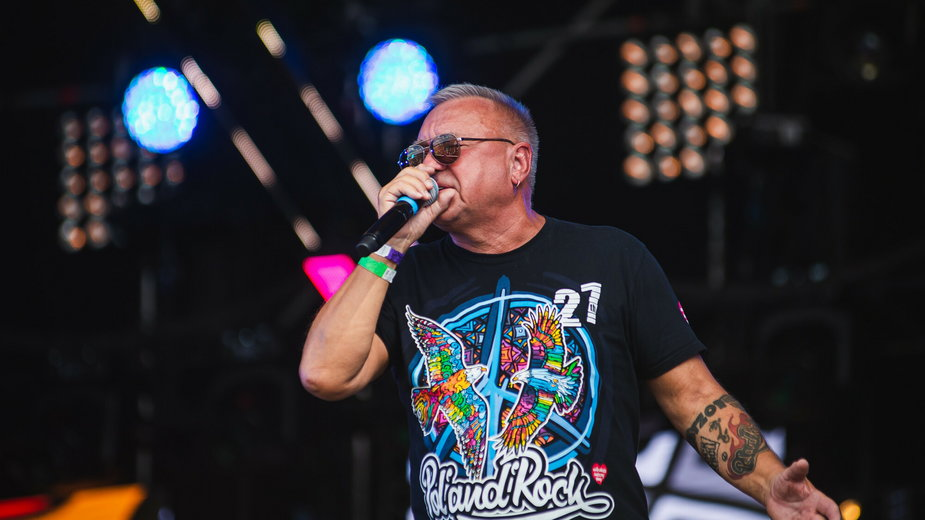 Jurek Owsiak na scenie Pol'and'Rock Festival, 29.07.2021 r.