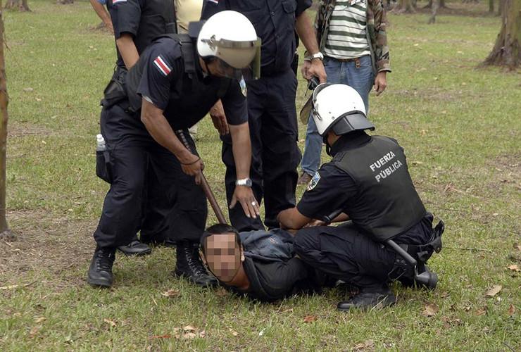 Kostarika policija pokrivalica