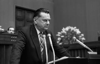 Karczewski o Janie Olszewskim: Był wyjątkowym człowiekiem i politykiem, który służył Polsce