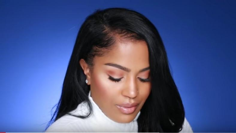 Blogger Make Up By Shayla  does seamless foundation application