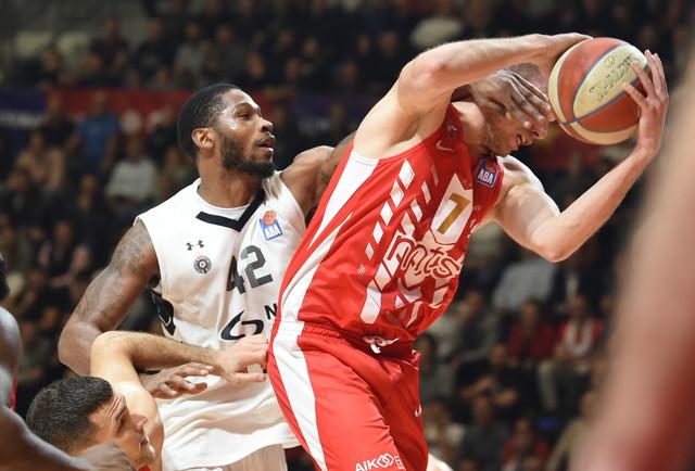 Detalj sa utakmice Crvena zvezda - Partizan