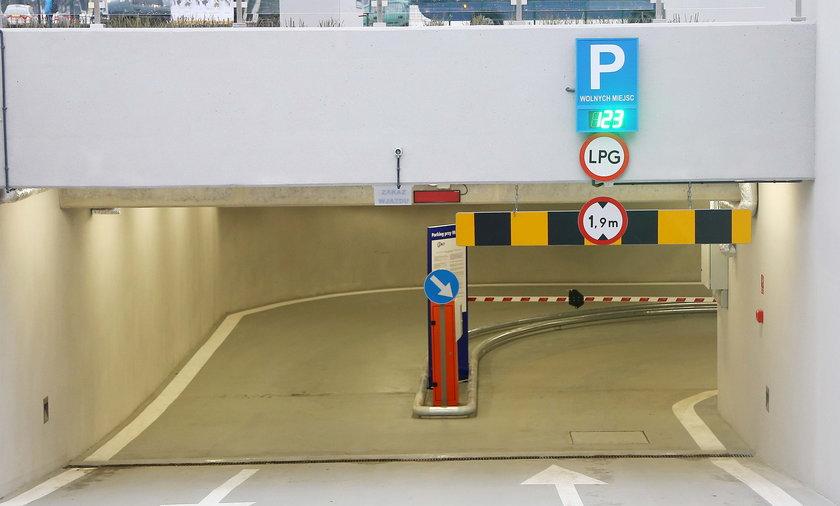 Parking podziemny przy muzeum narodowym