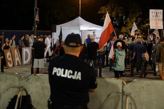 Przed Sejmem wylegitymowano 18 osób; wobec 17 będą skierowane wnioski o ukaranie