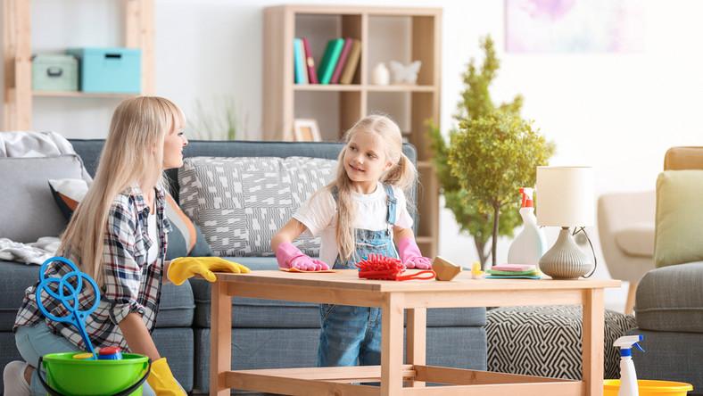 Jak zachęcić dziecko do pomocy w domu?
