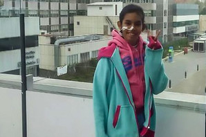 Lekari su digli ruke i pustili devojčicu (14) da UMRE. I dok se tumor širio celim telom pojavila se ONA (FOTO)