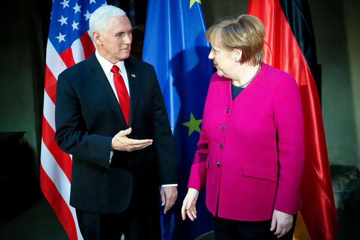 Majk Pens, Angela Merkel, EPA- RONALD WITTEK