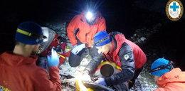 Widać było tylko światło latarki. Nocna akcja ratunkowa w Tatrach