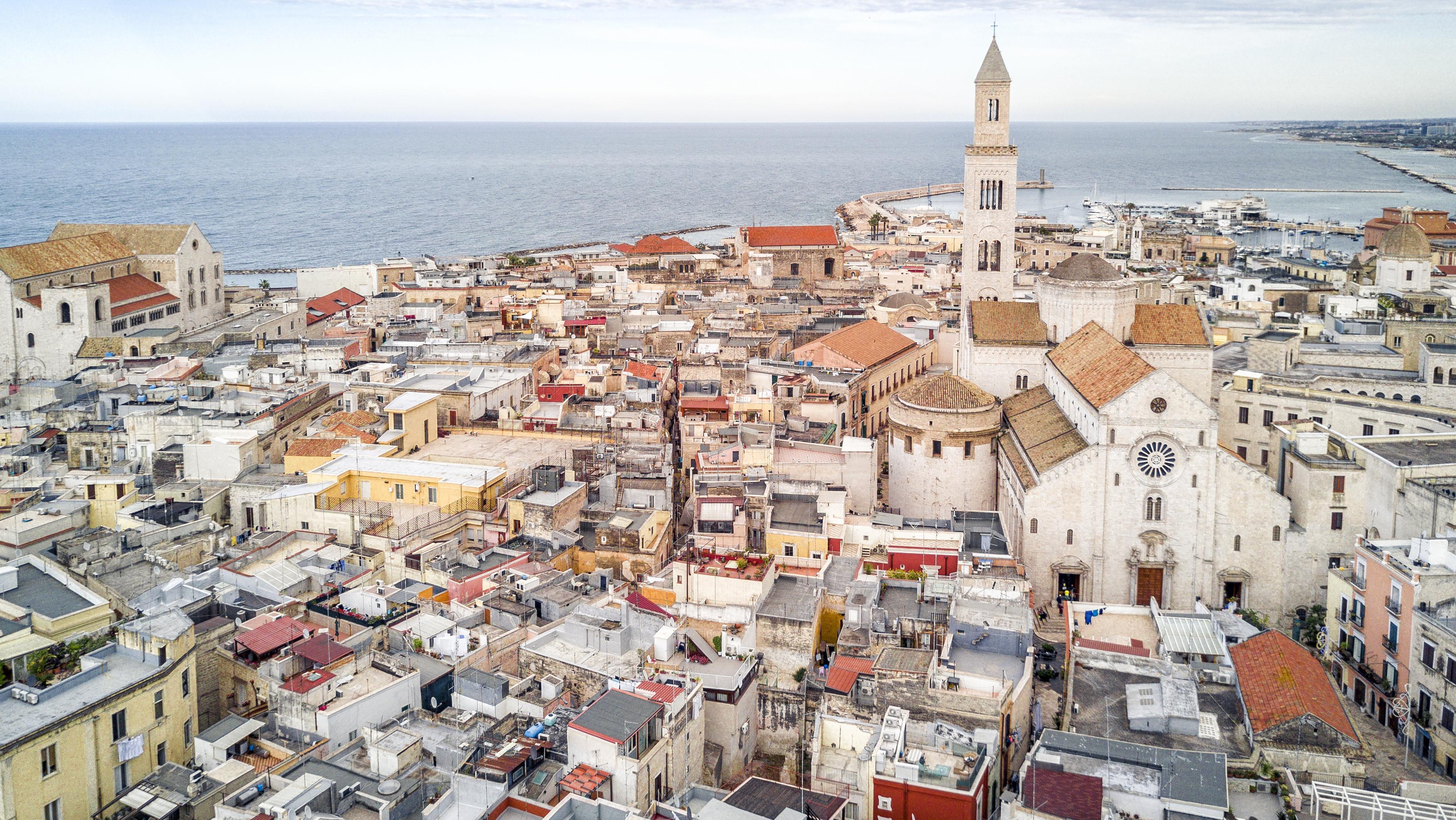 Bari I Okolice Atrakcje Co Zobaczyć Plaże Lokalna