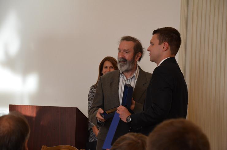 Arpad Vicko prima Balašijevu nagradu