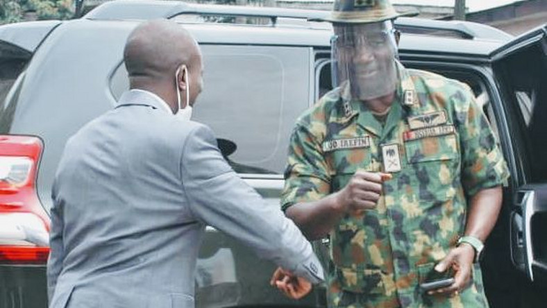 Maj.-Gen. Olu Irefin, the General Officer Commanding (GOC) 6 Division, Nigerian Army, Port Harcourt visits the EFCC office in the state. [NAN]