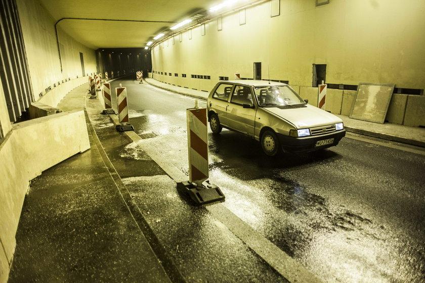 Tunel na lotnisko przecieka