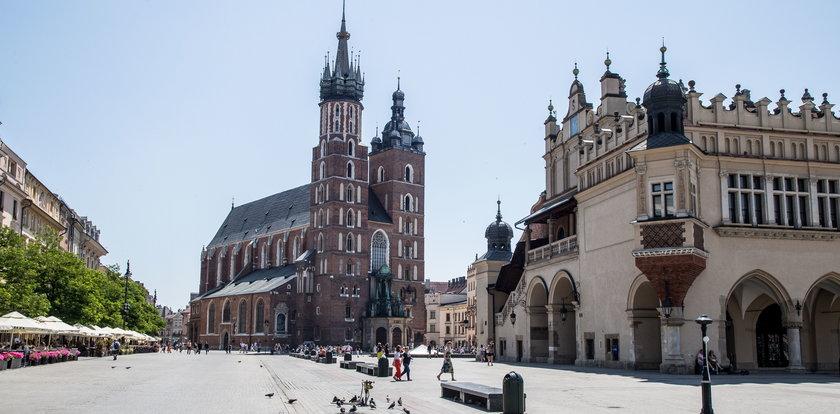 Koniec z wszechobecną betonozą? Planują posadzić drzewa na rynku głównym w Krakowie