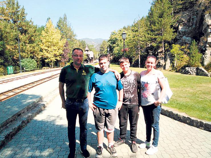 Radivoje Mišović, po struci ekonomista, sa porodicom vratio se na dedovinu