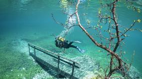 Jezioro z fantastycznym podwodnym krajobrazem