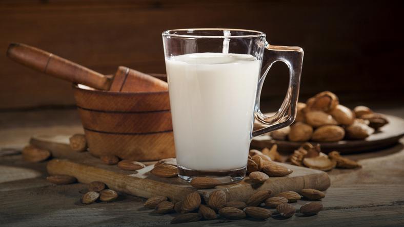 Mleko migdałowe - właściwości, kalorie, przepis