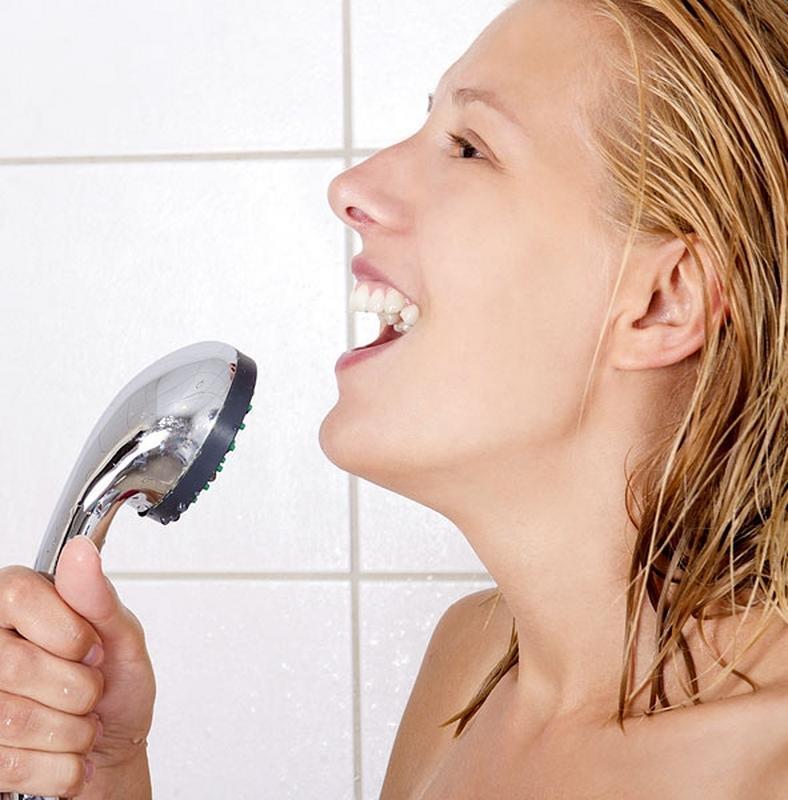 szex a zuhany alatt meleg