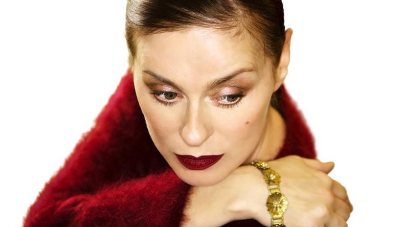 """""""Seven"""" to pierwszy krążek Lisy Stansfield od wydania """"The Moment"""" z 2004 roku. Zestaw promuje nagranie """"Can't Dance"""""""