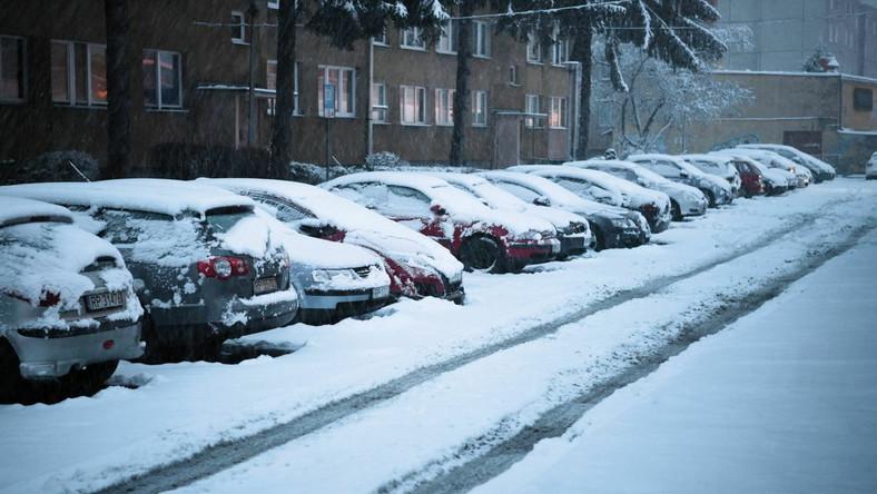 Intensywne opady śniegu w Przemyślu.