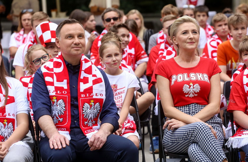 Andrzej Duda i Agata Kornhauser-Duda na meczu Polska-Senegal