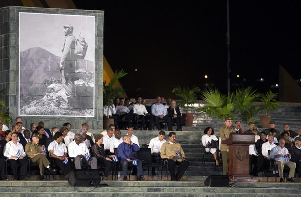 """Poinformował ponadto, że na Kubie zostanie wprowadzony zakaz nazywania imieniem Fidela Castro """"ulic, pomników, instytucji czy innych miejsc publicznych"""". Nigdy nie powstaną też popiersia czy pomniki będące wyrazu hołdu dla przywódcy kubańskiej rewolucji"""