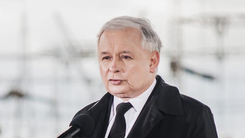 Kaczyński posłucha apelu Komorowskiego. Zapali świecę w oknie