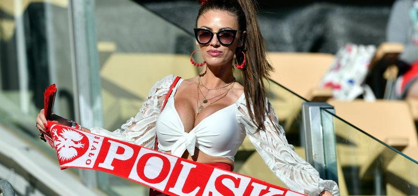 Polka szokowała frywolnym dekoltem podczas meczu Polaków. Hiszpańscy kibice oniemieli