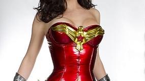 """""""Wonder Woman"""" nadal  kiczowata?"""