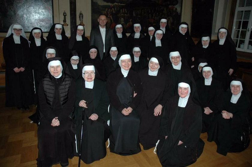 Andrzej Duda zaskoczył zakonnice z Krakowa. Tego się nie spodziewały!