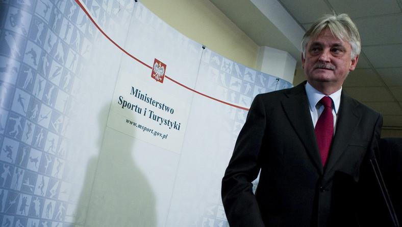Minister Drzewiecki zapowiada walkę z chuliganami stadionowymi