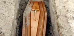 """Zabójstwo cieśli nad trumną. Sprowokował mordercę """"żartem""""..."""