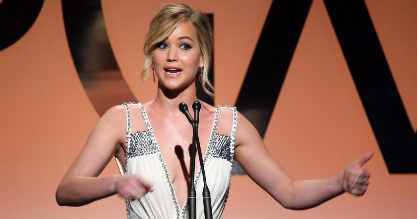 Jennifer Lawrence, zdobywczyni Oskara dwa lata temu zadała głośno pytanie: dlaczego mam zarabiać mniej niż moi koledzy-aktorzy?