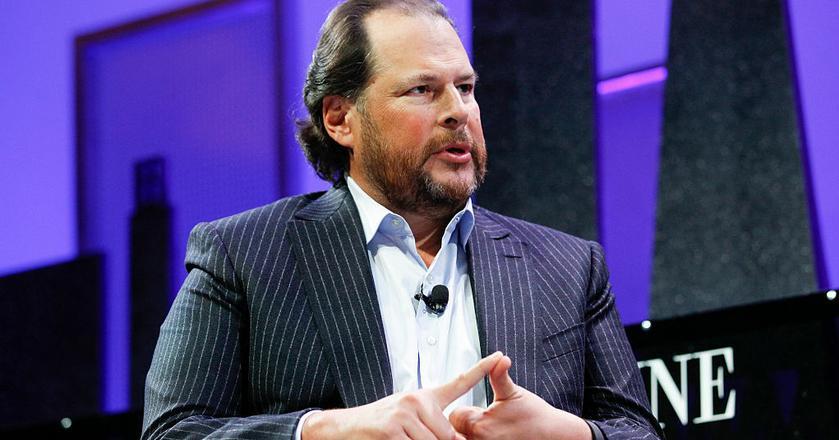 Marc Benioff jest założycielem i prezesem Salesforce, firmy oferującej oprogramowanie CRM w chmurze