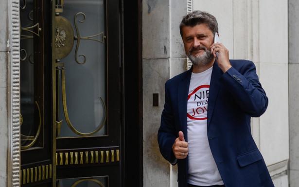 Janusz Palikot przed Sejmem
