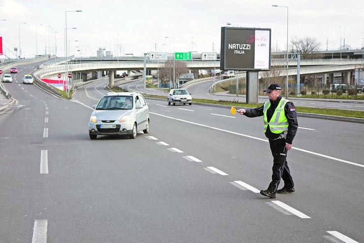 Velika brzina na koju se odlučuju vozači kumovala je nesrećama sa 63 oduzeta života