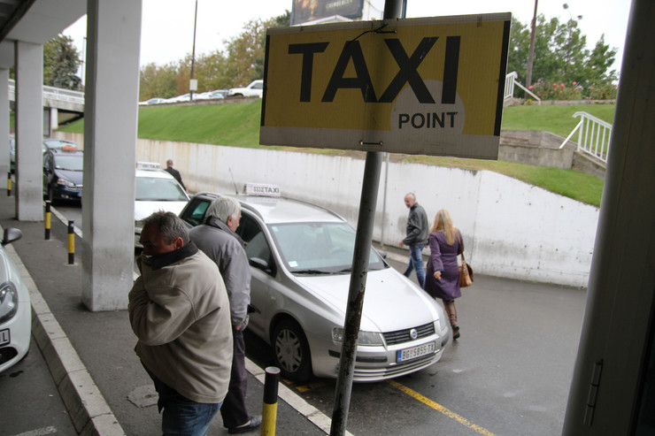 taksi Aerodrom_300913_RAS foto Mitar Mitrovic 30