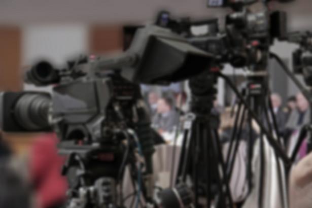 Marszałek Senatu Stanisław Karczewski ogłosił, że zamknięta dla mediów galeria sejmowa nadal będzie niedostępna