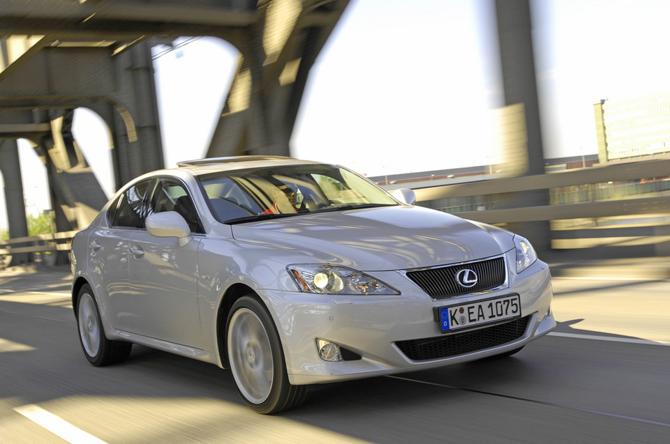 10 - Lexus IS (II)
