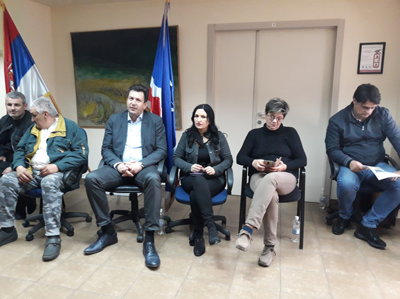 Članovi SNS u Šapcu