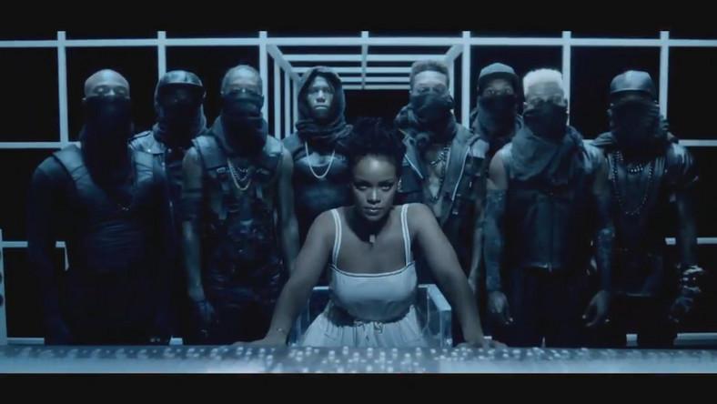 Rihanna buduje napięcie...