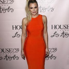 Khloe Kardashian w pięknej stylizacji na otwarciu sklepu