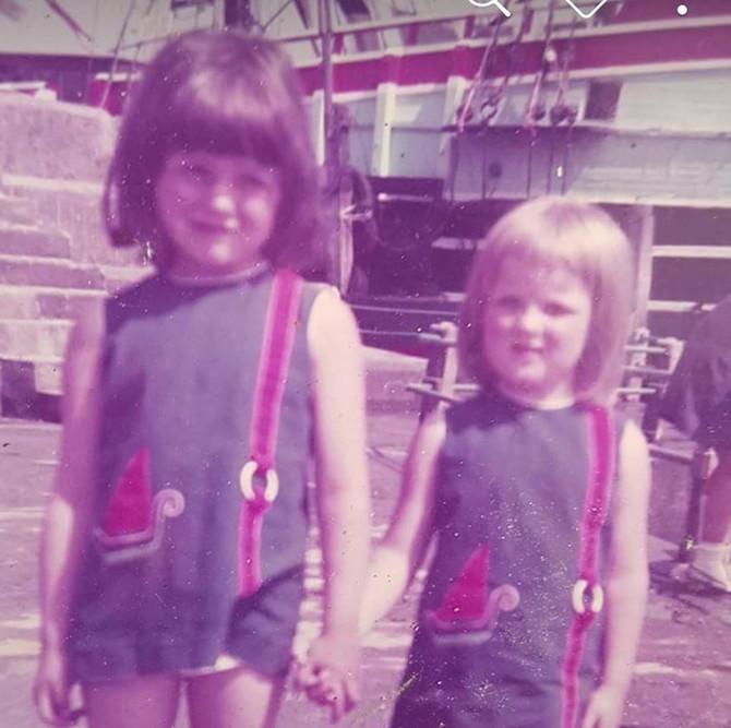 Kara i Karen u školi