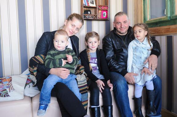 Porodica Simonović na okupu